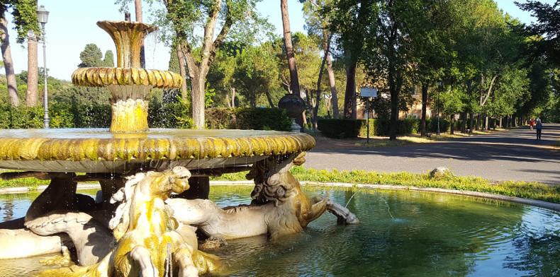 Fontana dei Cavalli Marini, Villa Borghese
